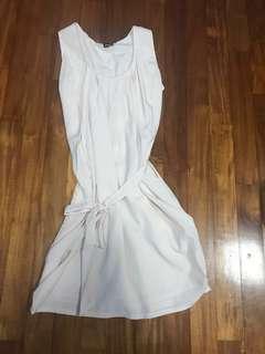 Beige dress with ribbon
