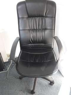 Leathertte Exective Chair