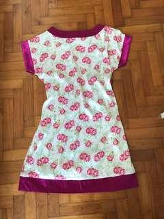 🚚 Dainty floral satin dress