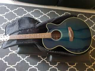 Yamaha Acoustic Guitar w Bag and Stand