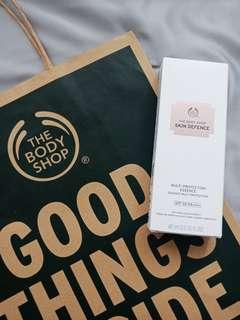 The Body Shop Skin Defence Multi Protection Essence (Sunscreen)
