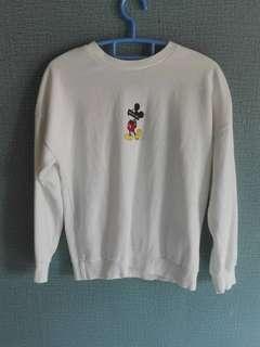 White Sweatshirt Mickeymouse