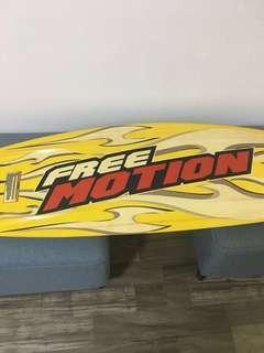 Wakeboard Free Motion XLR8 size 142cm