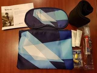 Qantas X Liam Snootle night kit 旅行袋