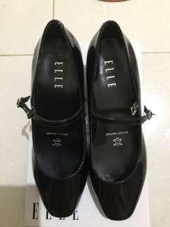 ELLE - Black Shoes #1
