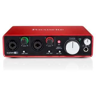 FOCUSRITE SCARLETT 2I2 (2ND GEN) USB AUDIO INTERFACE Focusrite scarlett 2i2 (2nd Gen) USB Audio Interface   Scarlett 2i2 Two Mics PERFECT FOR RECORDING TWO MICS AT ONCE This is our compact yet versatile 2-in, 2-out USB audio interface