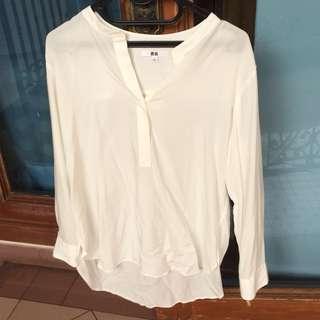 Uniqlo Broken White Blouse Size L // Kemeja Polos Uniqlo