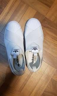 🚚 Adidas Slip On