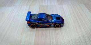 Hot Wheels 05 Corvette C6R