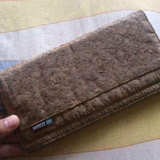 Dompet Hurican