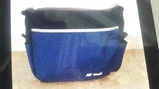 🚚 Home team sling bag