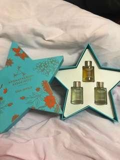 Aromatherapy bath & shower oil set