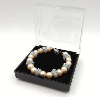 New Women Bracelet Look Like Pearl & Beads Design