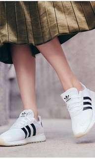 🚚 Adidas 慢跑鞋 BA7760 原價3290