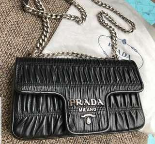 🚚 BN Prada Nappa Gaufre Chain Flap Bag