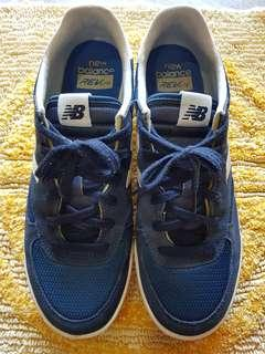 New Balance 300 Sneakers (Used)
