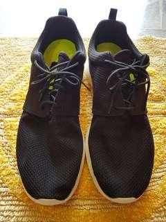 Nike Rosche (Used)