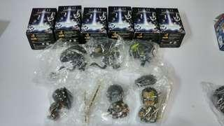 全新絕版 Hottoys Cosbaby AVP alien vs predator (full set)