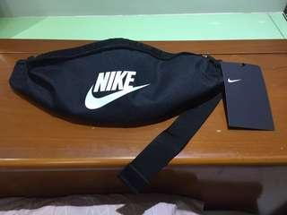 🚚 Nike 腰包 全新 吊牌未拆