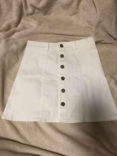 cute button up white skirt!!