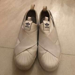adidas original白色平底波鞋