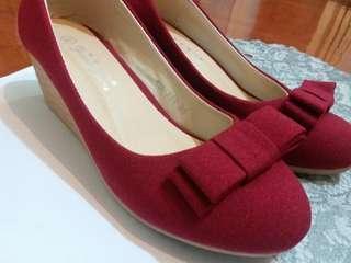 95%新 番工 百搭斯文款 35碼 紅色蝴蝶結增高鞋 高跟鞋 高踭鞋 $55/1 (只有1對)