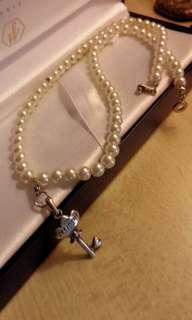 Vintage pearl necklace with sliver key