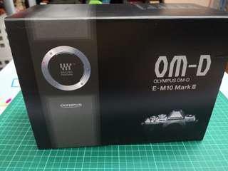 99%新Olympus OM-D E-M10 Mark III 雙鏡套裝 (M.ZUIKO DIGITAL ED 14-42mm F3.5-5.6 EZ +40-150mm F4.0-5.6 R)  行貨有單有保養