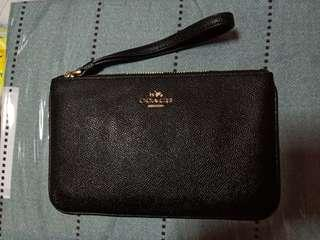 Coach large wristlet in leather black