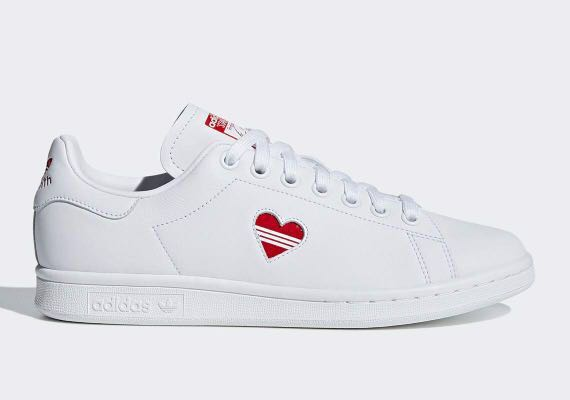 chaussures de sport 04241 7faaa Adidas Stan Smith with valentine's day heart