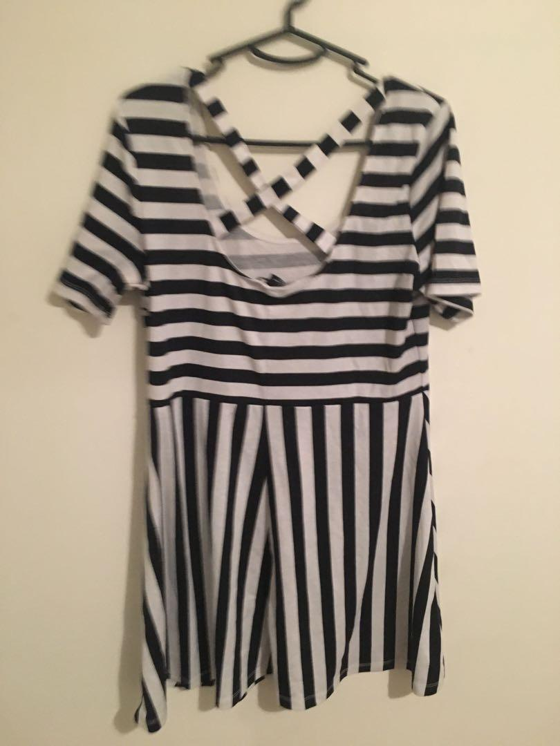 Black and white striped H&M short sleeved dress