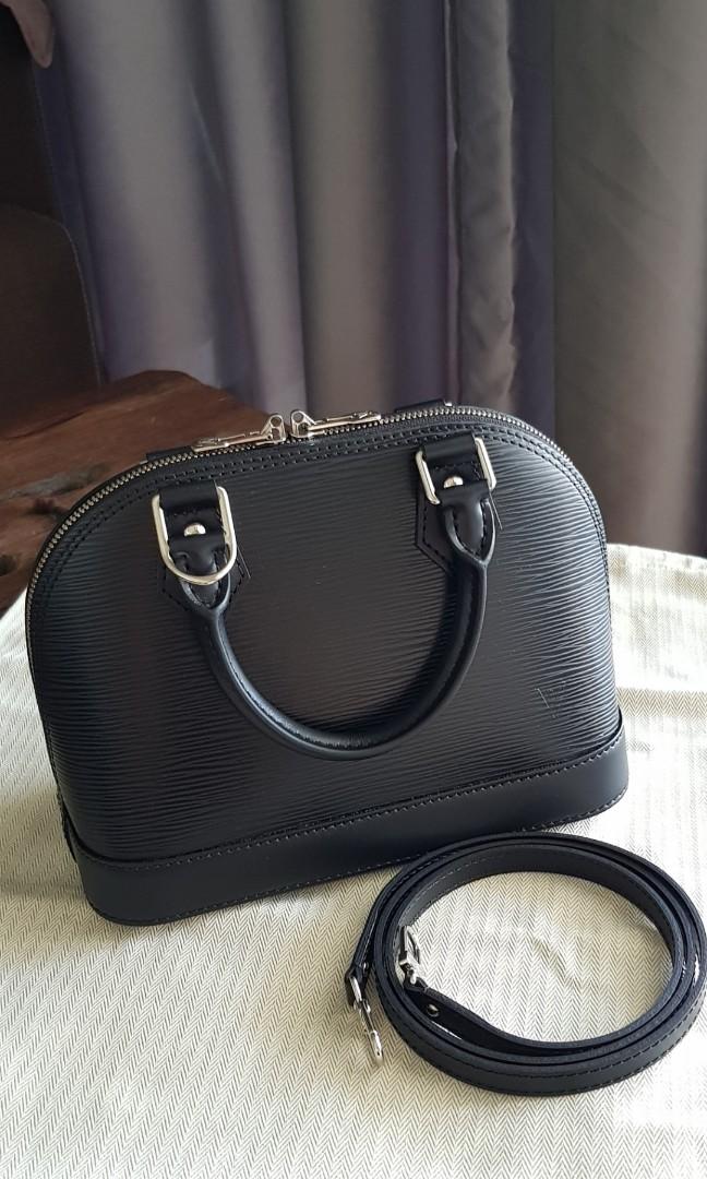 cd85999c16ad BNIB Louis Vuitton LV Alma BB in Black Epi Leather