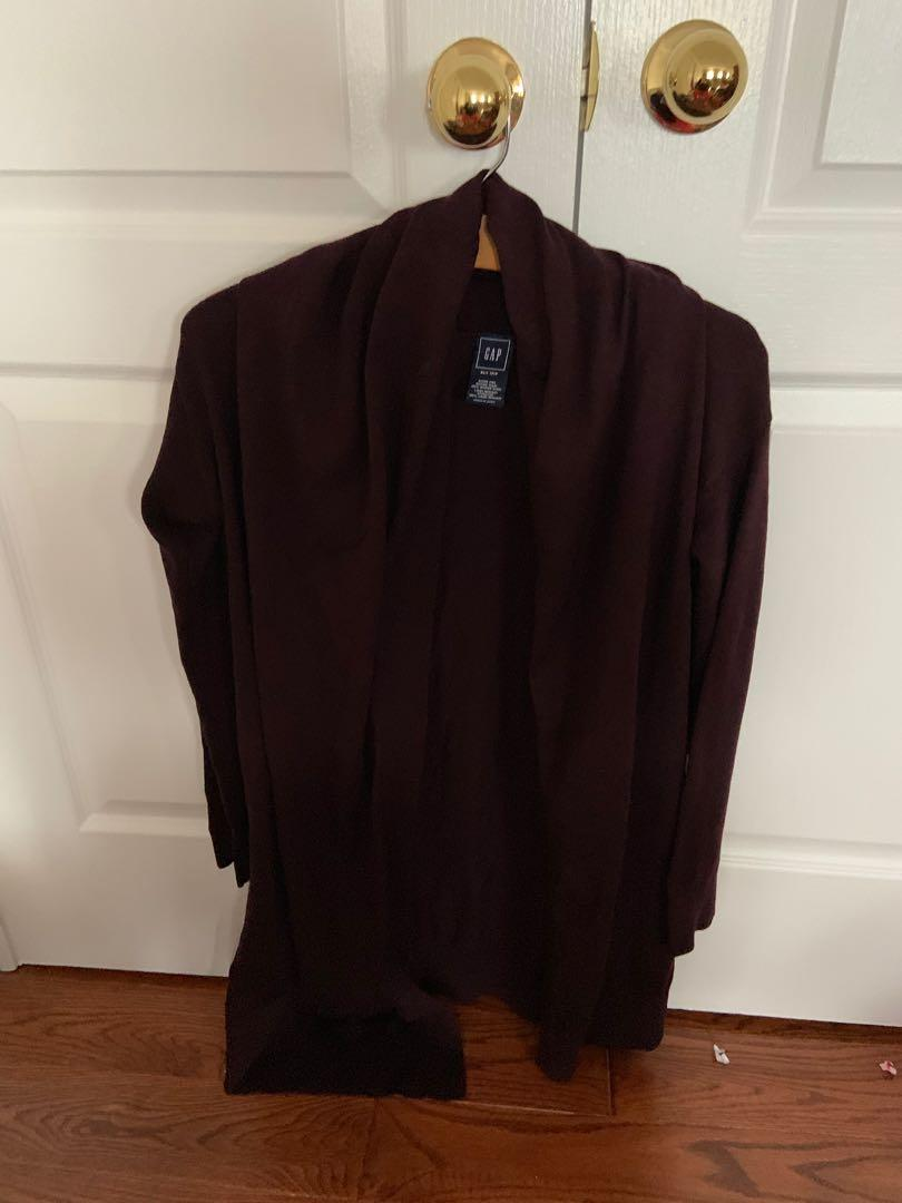 Brand new with tag. Gap extra fine merino open cardigan in maroon. Size xs/s