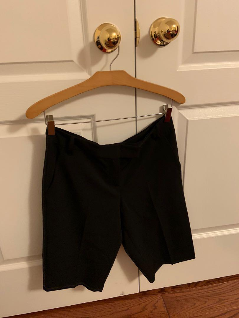 Brand new with tag. United colours crop pants. Size 42