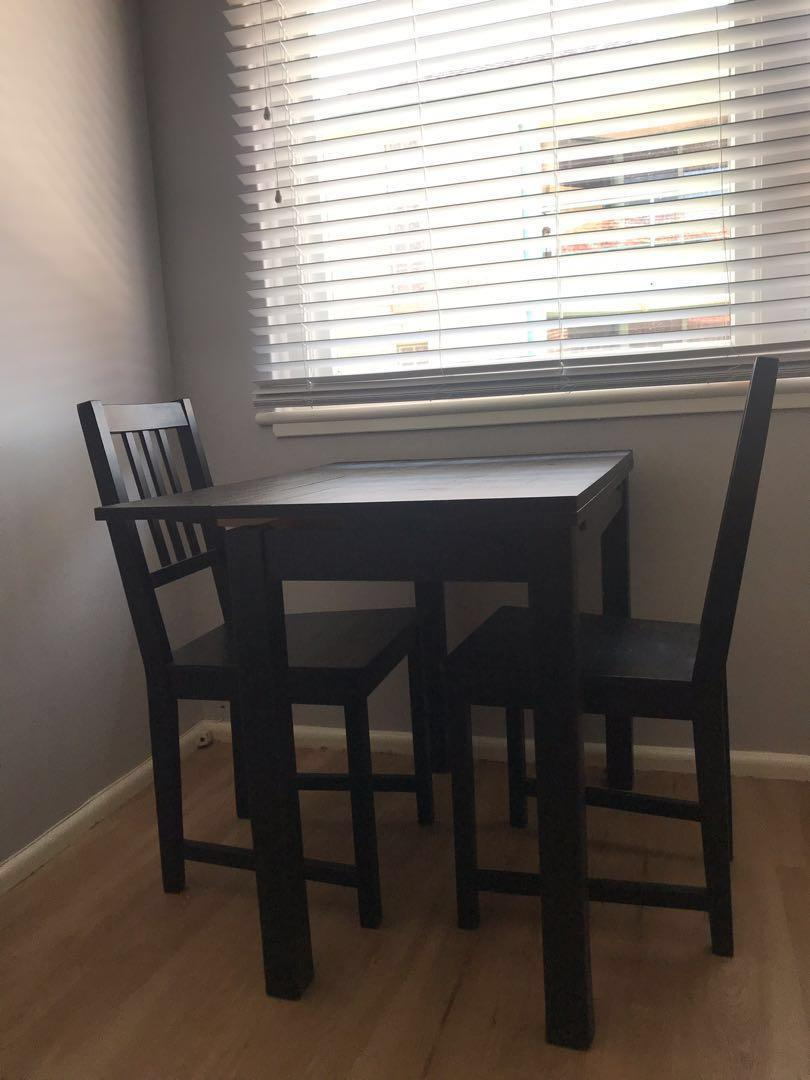 Extendable dining table and two chairs (ikea)