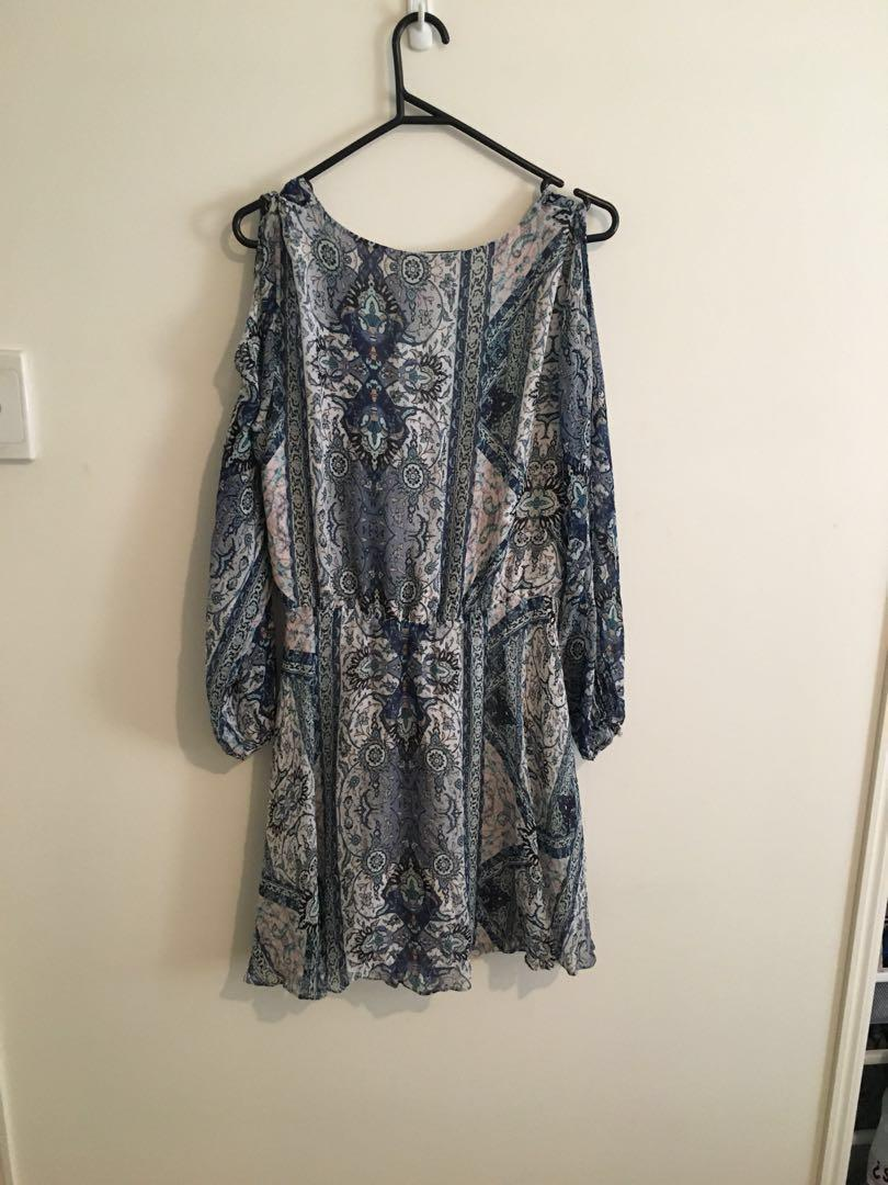 Forever New long sleeve dress in blue Paisley print