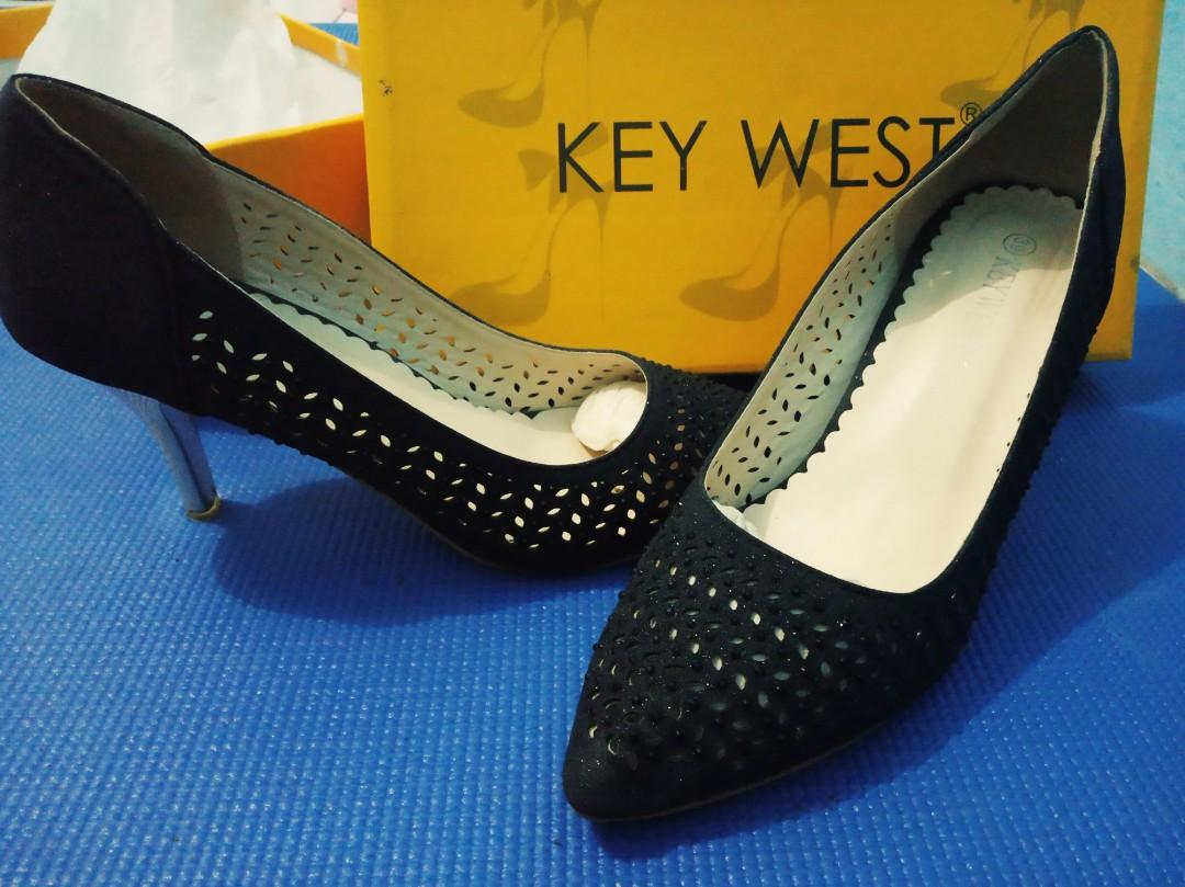KEY WEST BLACK GOLD HEELS