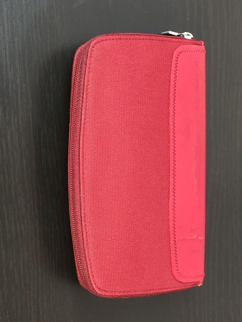 Mandarina Duck Red Zip Up Portfolio Wallet With Rubber Tab Logo