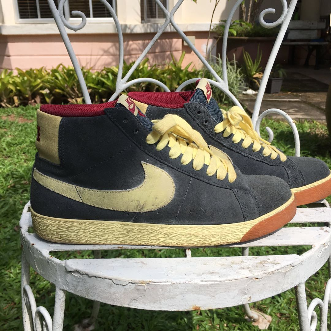 0b17949e0a934 Nike Sb Blazer high charcoal halo team red 3