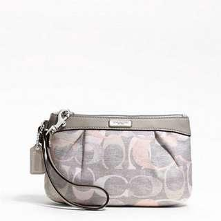 Coach Optic Linen Pleated Medium Wristlet