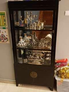 Black lacquer glass display cabinet with mirror backing