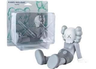 Kaws holiday 2款