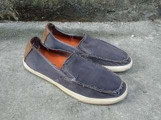 Dockers slip on