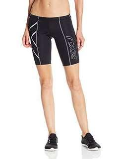 🚚 2XU women's compression tights shorts