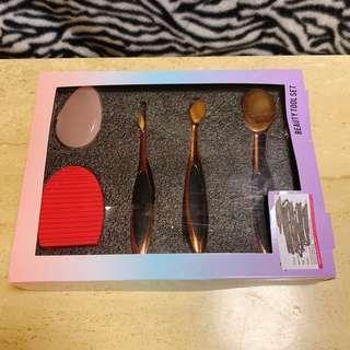[全新] 韓式化妝掃 化妝刷 化妝粉撲 化妝器具 矽膠粉撲 make up brush