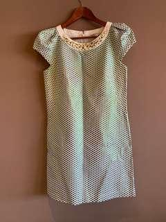 🚚 VILLE菲磊服飾-設計師款珠寶貴氣光澤洋裝