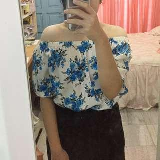 BLUE FLOWER SABRINA TOP