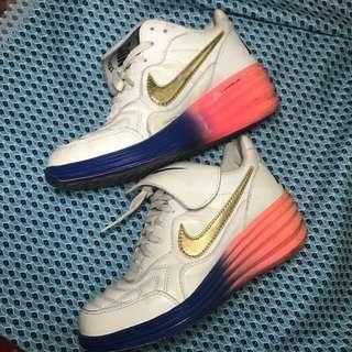 正版 NIKE 球鞋