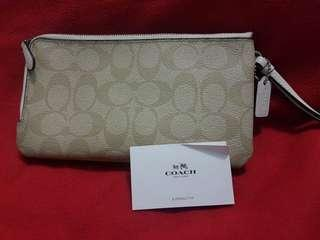 Double Zip Wallet in Colorbox Logo Signature Coated Canvasyr (COACH F57602)