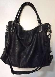 Considered PRELOVED (2x used) 100% Original Jessica Simpson Black Ryanne TZ Tote With Sling